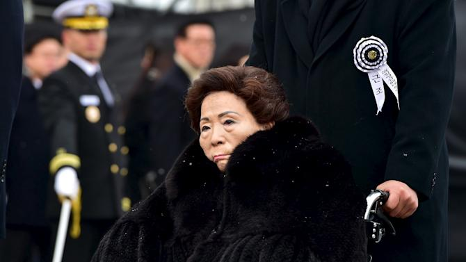 Son Myung-Soon, wife of late former South Korean president Kim Young-Sam, follows the hearse carrying body of Kim after state funeral ceremony at National Assembly in Seoul