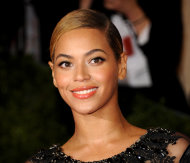 FILE - This May 7, 2012 file photo shows Beyonce Knowles at the Metropolitan Museum of Art Costume Institute gala benefit in New York. Beyonce will sing the national anthem at President Barack Obama&#39;s inauguration ceremony. The committee planning the Jan. 21 event also announced Wednesday that Kelly Clarkson will perform &quot;My Country `Tis of Thee&quot; and James Taylor will sing &quot;America the Beautiful&quot; at the swearing-in ceremony on the Capitol&#39;s west front. (AP Photo/Evan Agostini, File)