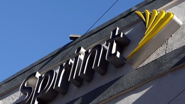 Sprint just stuck a dagger into AT&T's net neutrality argument