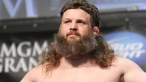 Roy Nelson Expects Title Shot if He Beats Daniel Cormier at UFC 166