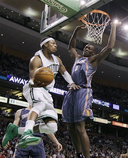 Pierce passes Bird in Celtics' win over Bobcats