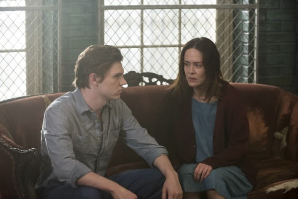 American Horror Story Scoop: Evan Peters and Sarah Paulson to Return for Season 3