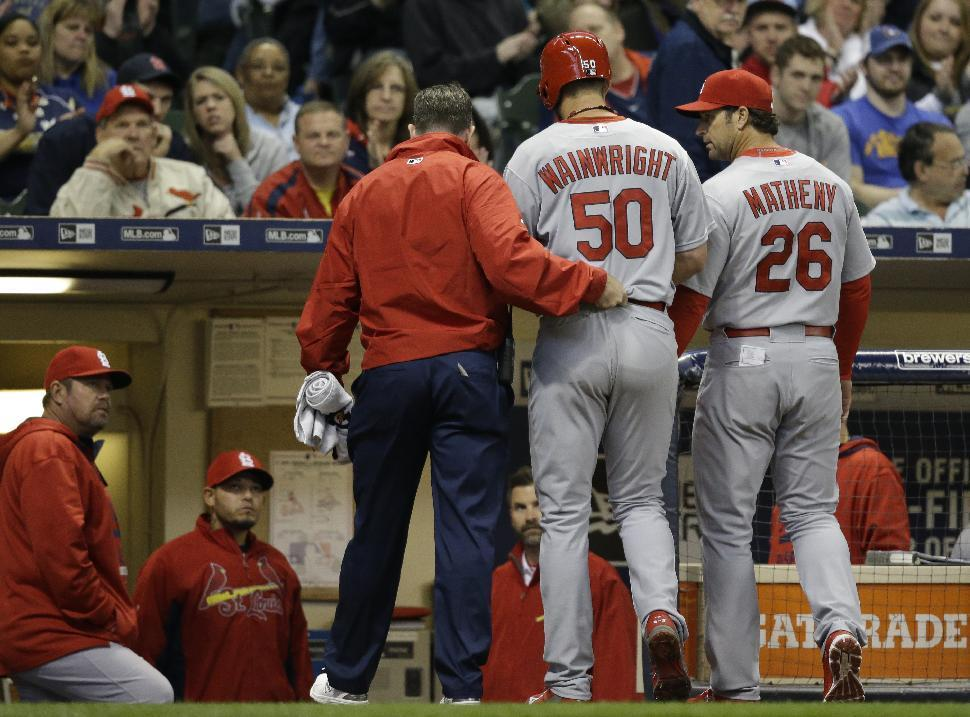 Cardinals beat Brewers after Wainwright leaves with injury