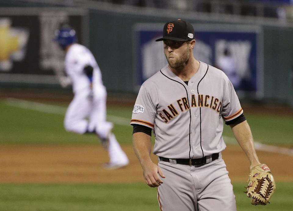 Giants' bullpen melts down in 7-2 loss to Royals