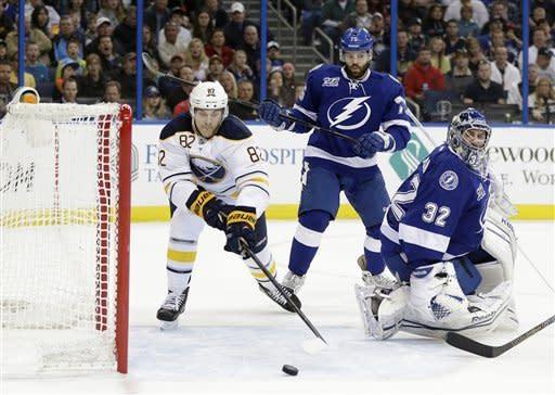 Stamkos, St. Louis send Lightning past Sabres