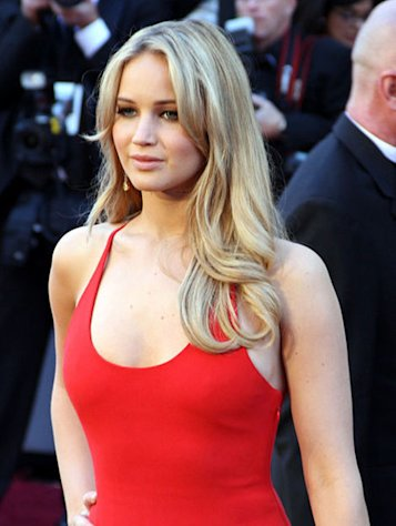 Jennifer Lawrence is one actress who deserves a Golden Globe nomination.