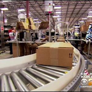 Last-Minute Shoppers Cashing In On Free Shipping Day