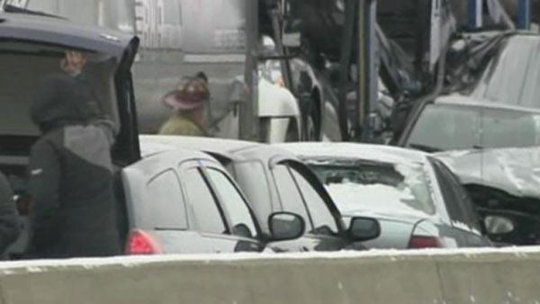 Detroit interstate closed following massive crash