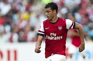 Chamakh could leave Arsenal if first-team minutes are not available