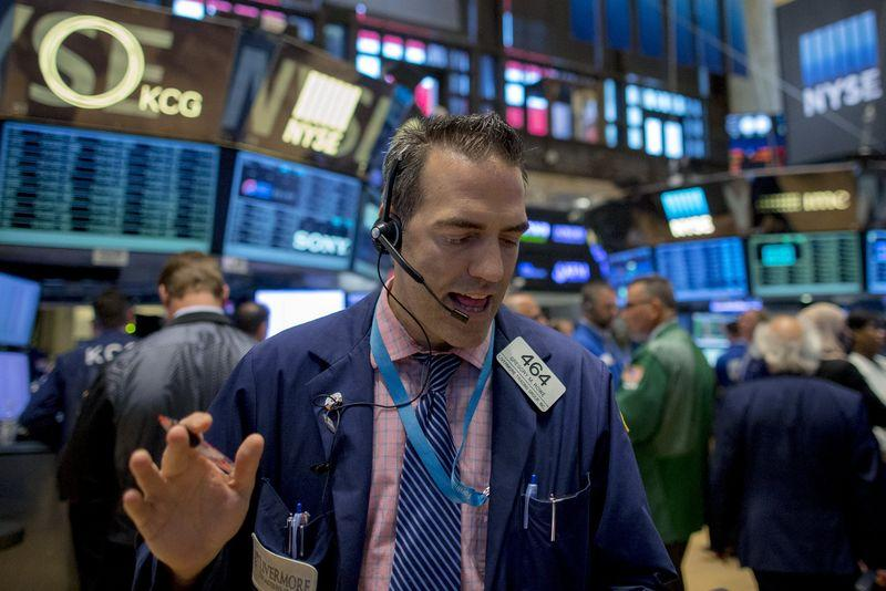 Tech stock leads Wall St. higher as China fears ebb