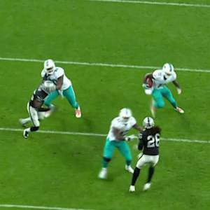 Miami Dolphins quarterback Ryan Tannehill to Mike Wallace for a 13-yard TD