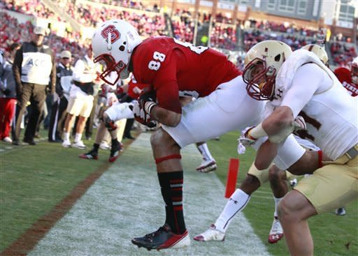 Glennon boosts NC State over Boston College 27-10