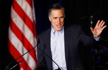 Romney takes aim at Hillary Clinton in new speech