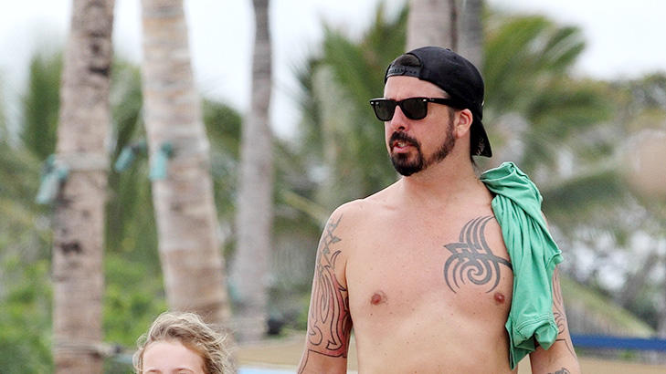 DaveGrohl-Hawaii.jpg