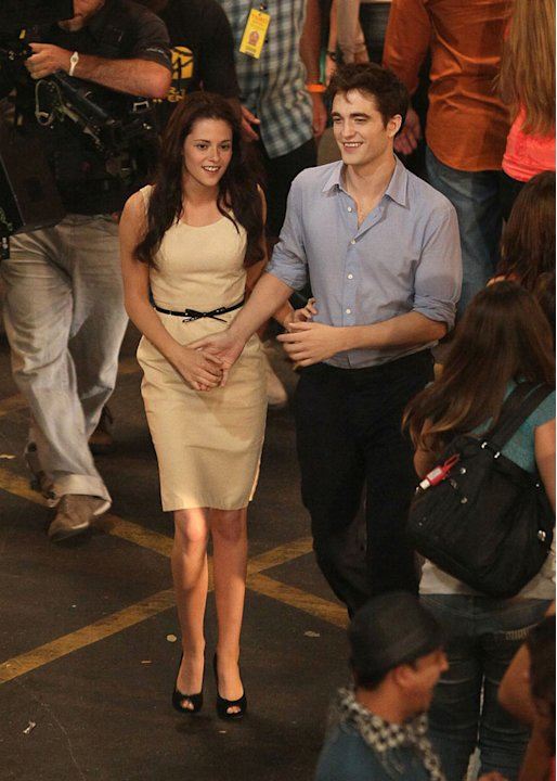 Breaking Dawn on Location 2010 Kristen Stewart Robert Pattinson