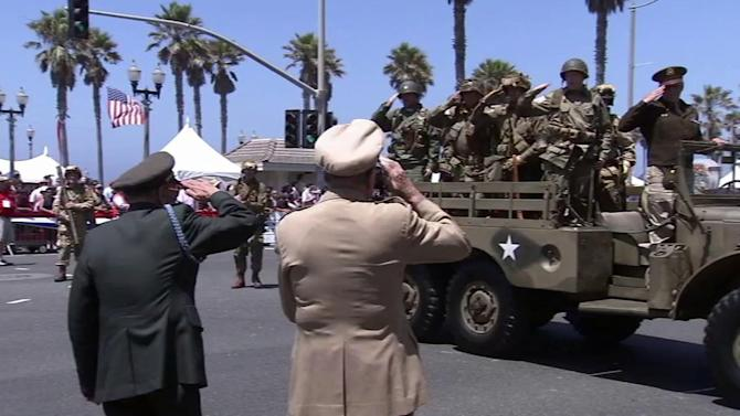Huntington Beach honors military in July 4th parade