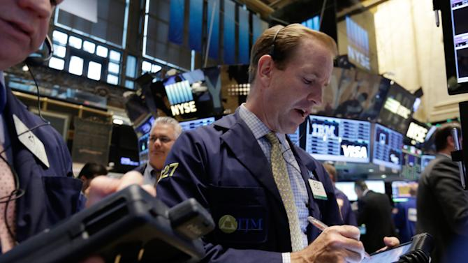 US stocks drift lower after 2-day run; oil price jumps
