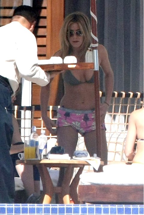 J Ennifer Aniston Los Cabos