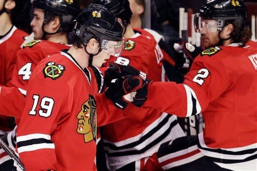Blackhawks send Sabres to 10th straight road loss