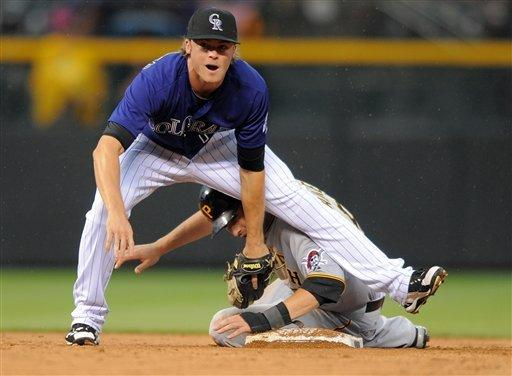 Fowler's sac fly lifts Rockies over Pirates 5-4