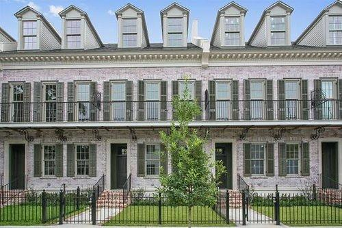 Lower Garden District Rowhouse Available to Rent