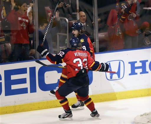 Panthers get 1st playoff win since '97, top NJ 4-2