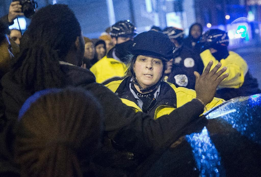 Arrests in Chicago, NY at protests over police shootings