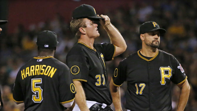 Marlins use big eighth to beat Pirates 6-3