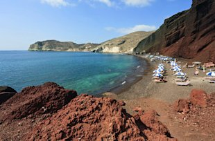 Red Beach in Santorini, Greece (Photo: Thinkstock/iStockphoto)