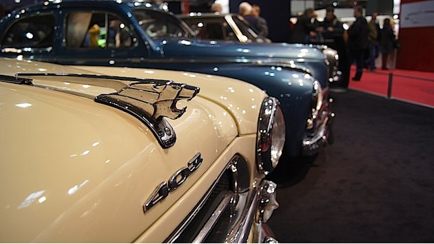 Peugeot expose ses modles  la porte de Versailles grce  ses diffrents clubs trs actifs.