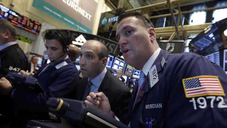 Stocks edge higher as job market improves