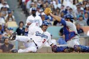 Dodgers' Kershaw beats error-prone Mets 8-3