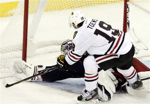 Blackhawks tie franchise-best start with 3-2 win