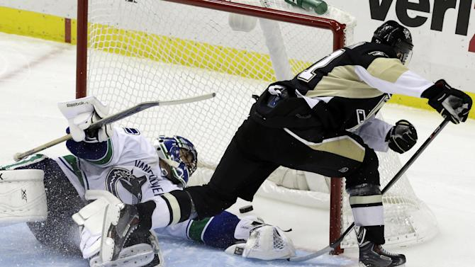 Malkin scores in SO, Pens beat Canucks 4-3