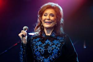 Loretta Lynn on Her Medal of Freedom: 'Isn't That Something?'