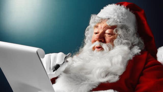 Man Arrested After Telling Kids Santa Isn't Real