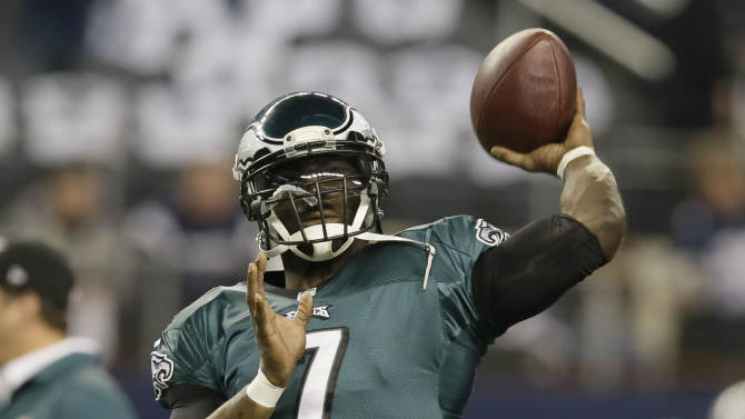 AP sources: Vick, Eagles haven't ruled out return