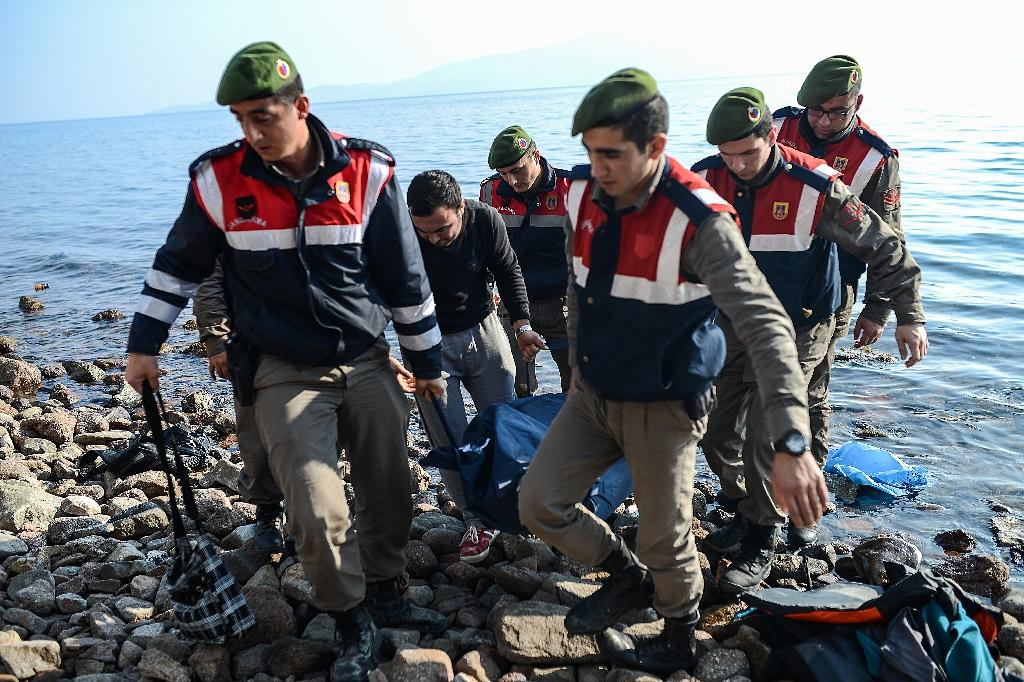 At least 35 migrants drown as two boats sink off Turkey