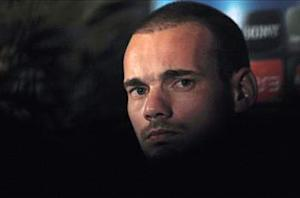 Galatasaray stunned by 'astronomical' Sneijder costs