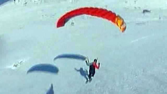 Around the World: 'Speed-flyers' glide down Italy's Mt. Etna