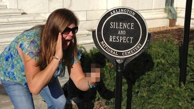 Prank Photo at Tomb of Unknowns Sparks Backlash (ABC News)