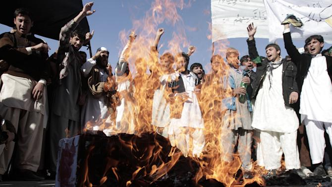 Afghan students of Nangarhar University chant slogans during a protest against Israel's recent offensive in Gaza,  on the outskirts of Jalalabad, east of Kabul, Afghanistan, Monday, Nov. 26, 2012. (AP Photo/Rahmat Gul)