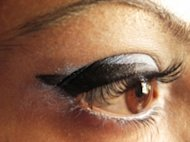 Capture the hottest eye makeup look for fall with these tips for geometric eyes.