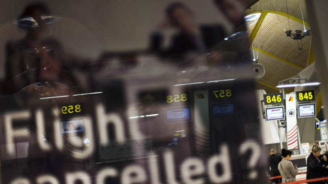 After Sandy, canceled flights but no airport chaos
