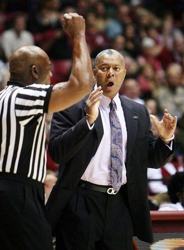 Jacobs, Alabama hold on to beat LSU 60-57