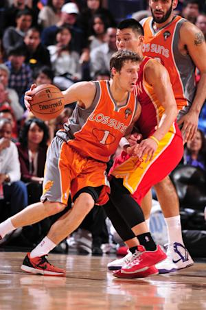 Dragic helps Suns beat Harden, Rockets 107-105