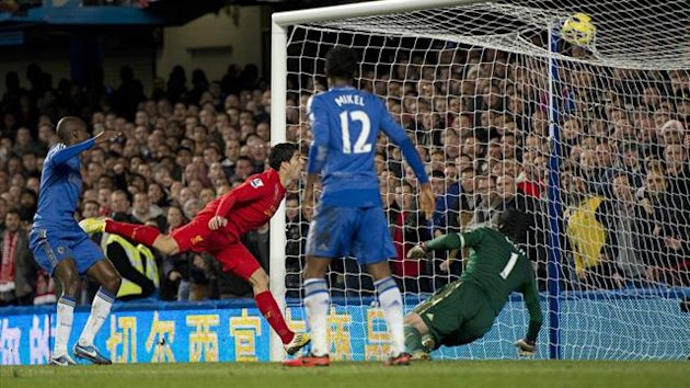 Luis Suarez scores for Liverpool against Chelsea, November 2012