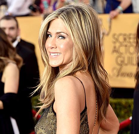 Jennifer Aniston's Textured Blowout, Golden Goddess Makeup at the 2015 SAG Awards Was One of Your Faves: Get Her Beauty Breakdown Here!
