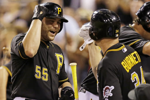Pirates beat Cardinals 7-1 to take NL Central lead