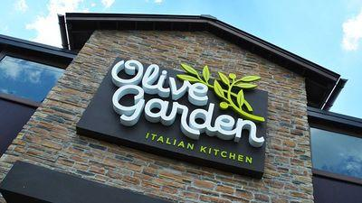 Olive Garden Employee Blames Shorted Tips on Faulty Automated Ordering